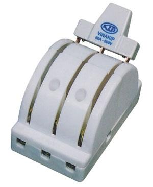 Cầu dao điện đảo chiều 3P 60A/600V 3P60ĐCK cực kẹp